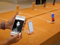 Чому всі сходять з розуму від iPhone X? (відео)