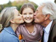 Як бабусі та дідусі шкодять своїм онукам