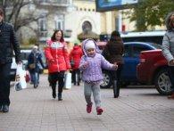 Війна забрала у трирічної дівчинки маму, ніжку, та не волю і любов до життя